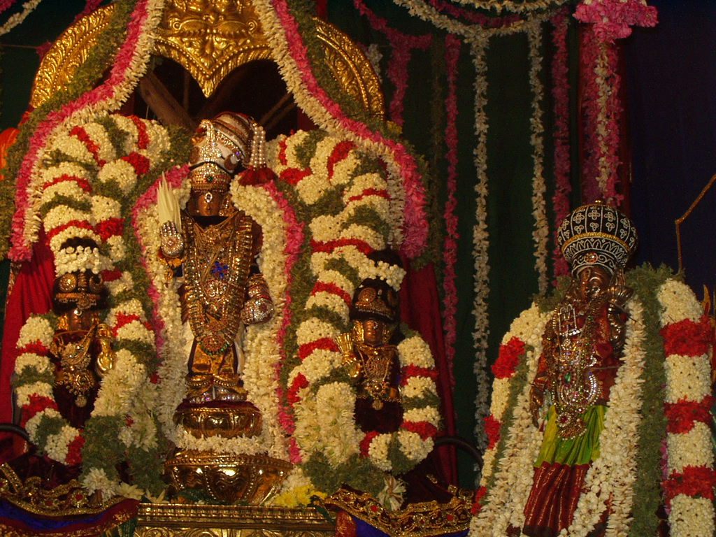 Srinivasa Perumal idols with flowers The Poolaip Poo (பூளைப் பூ) and Thorny Flowers