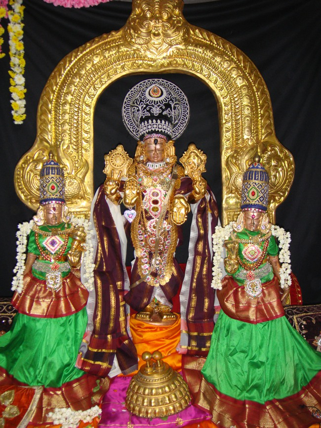 Thirumangai Azhwar janma thirunakshatram at thiruvellukkai 2013-00