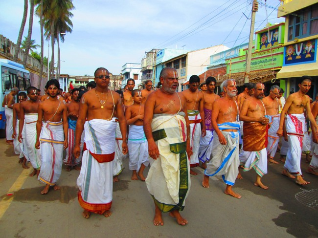 Srirangam Masi Theppotsavam Day 6 Morning 2014--07