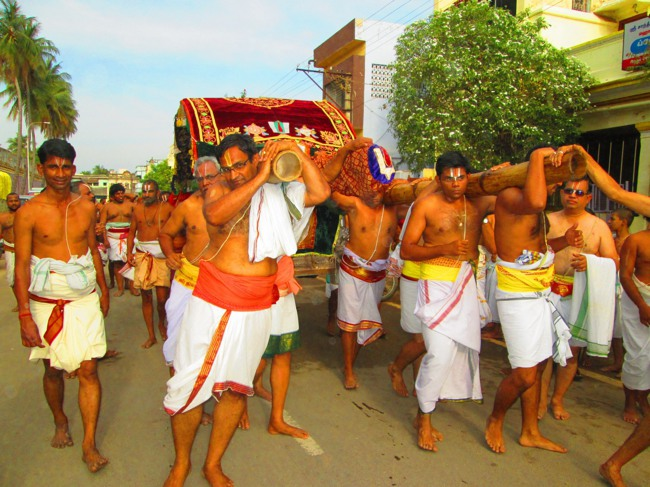Srirangam Masi Theppotsavam Day 6 Morning 2014--10