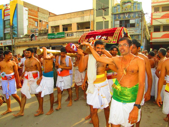 Srirangam Masi Theppotsavam Day 6 Morning 2014--23
