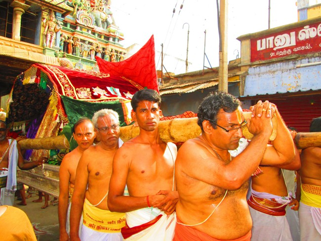Srirangam Masi Theppotsavam Day 6 Morning 2014--32