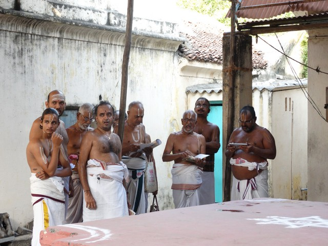 Mylapore SVDD Srinivasa Perumal  May 30,2014 Vaigasi Maasam Bhrahmotsavam Dwajarohanam and DAY 1 morning CHAPARAM 37