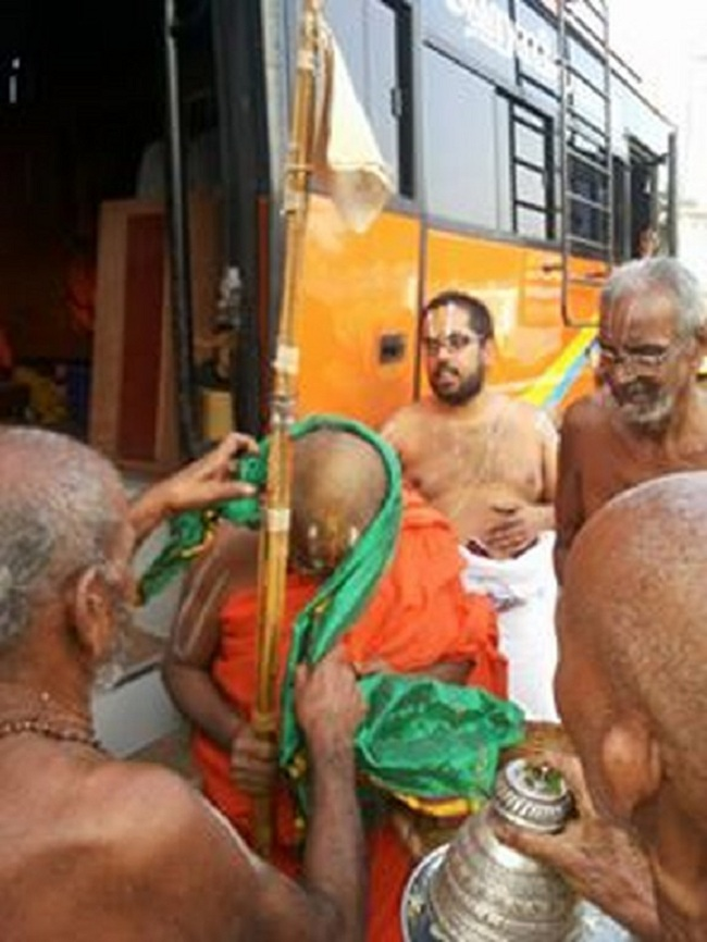 HH 46th Srimath Azhagiyasingar Mangalasasanam At Nirmal Sri Srinivasa Perumal Temple2