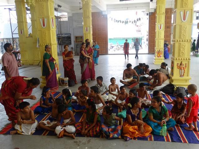 Mylapore SVDD Sri Srinivasa Perumal Temple Desika Prabandham And Stothram Competition For Children  07-09-2014  02