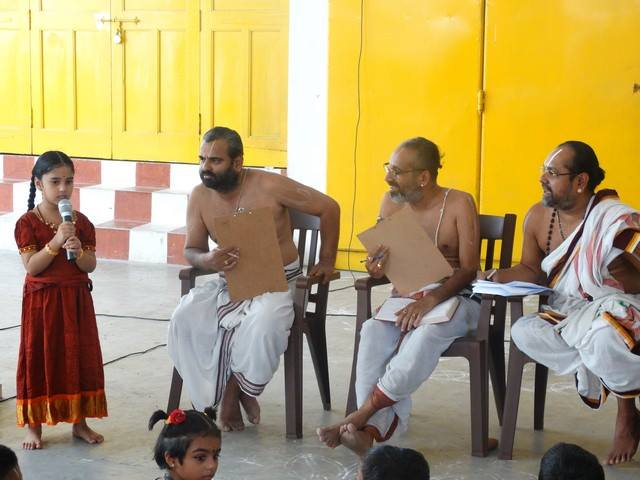 Mylapore SVDD Sri Srinivasa Perumal Temple Desika Prabandham And Stothram Competition For Children  07-09-2014  06