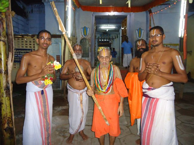 12th dec 14 srimath poundrigapuram achaaryarum srimath azhagiyasingarum  (149)