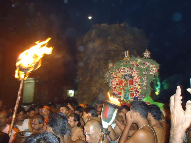 6th dec 14 kaarthigai deepam (32)