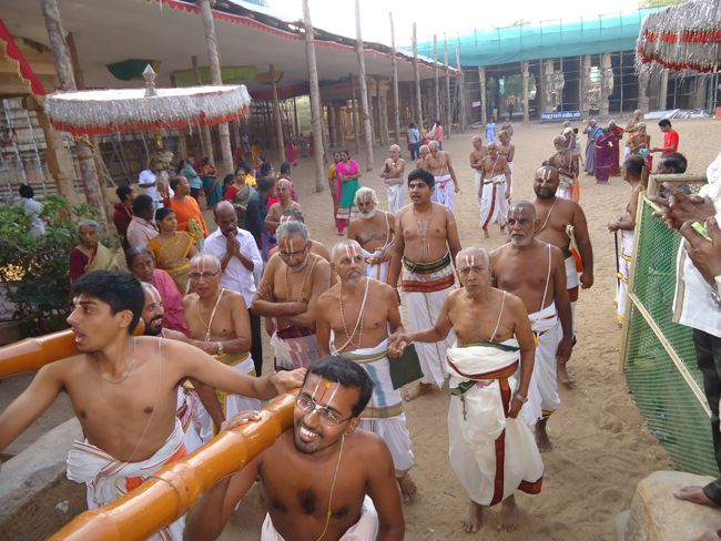 15th jan 15 7 to 8am pongal utsavam (74)