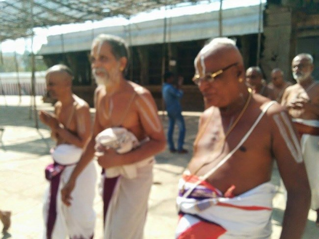 HH 46th Srimath Azhagiyasingar Mangalasasanam At Lower Ahobilam Sri Prahaladavardan Temple1