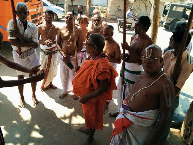 HH 46th Srimath Azhagiyasingar Mangalasasanam At Lower Ahobilam Sri Prahaladavardan Temple11