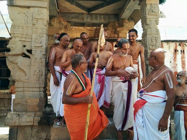 HH 46th Srimath Azhagiyasingar Mangalasasanam At Lower Ahobilam Sri Prahaladavardan Temple12