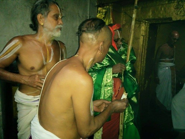 HH 46th Srimath Azhagiyasingar Mangalasasanam At Lower Ahobilam Sri Prahaladavardan Temple15