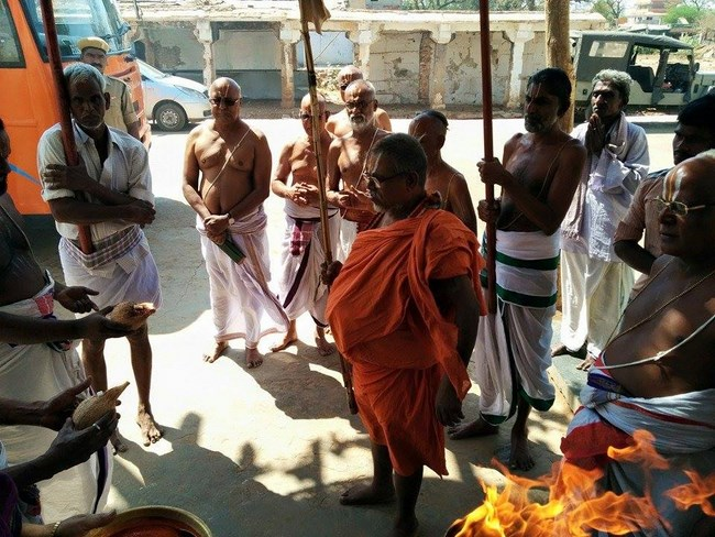 HH 46th Srimath Azhagiyasingar Mangalasasanam At Lower Ahobilam Sri Prahaladavardan Temple3