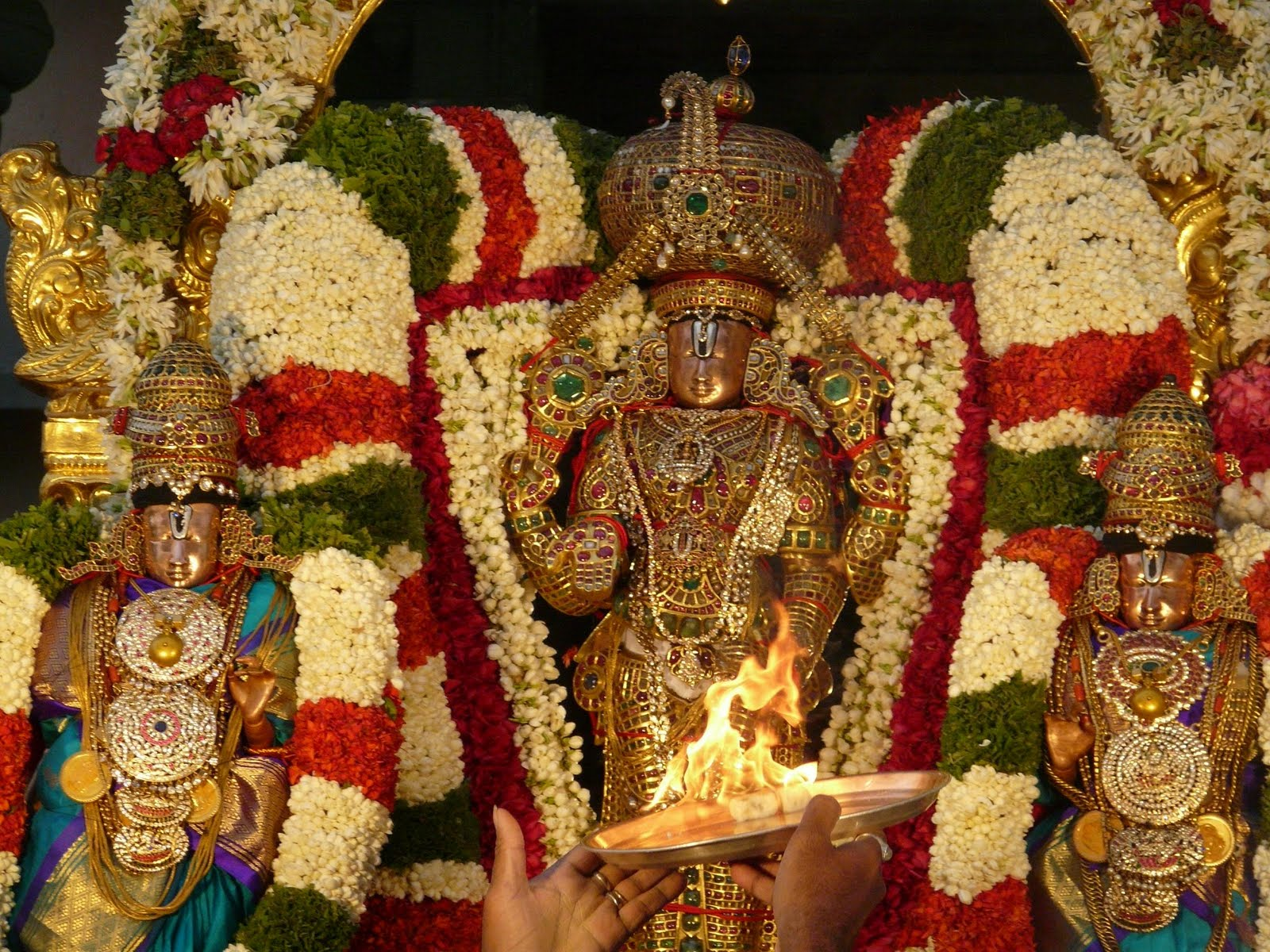 Tirupati Balaji with his consorts