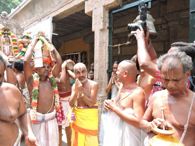 2nd may 15 - 11.30 to 12.30 - uthamar koil thiruther utsavam (4)