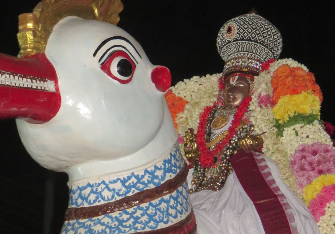 thoopul-swami-desikan-day-4-evening-1-2016