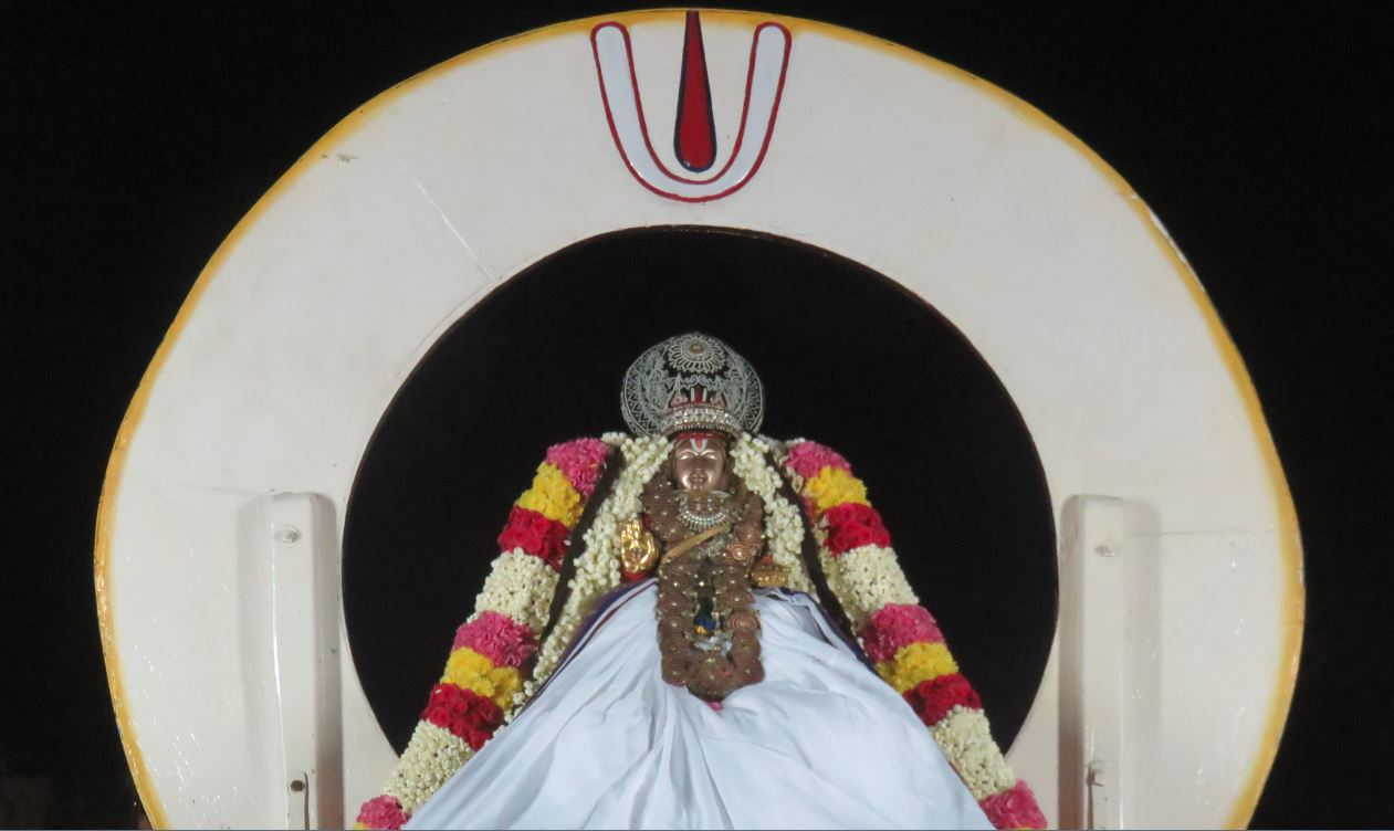 thoopul-swami-desikan-thirunakshatra-utsavam-day-3-evening-1-2016