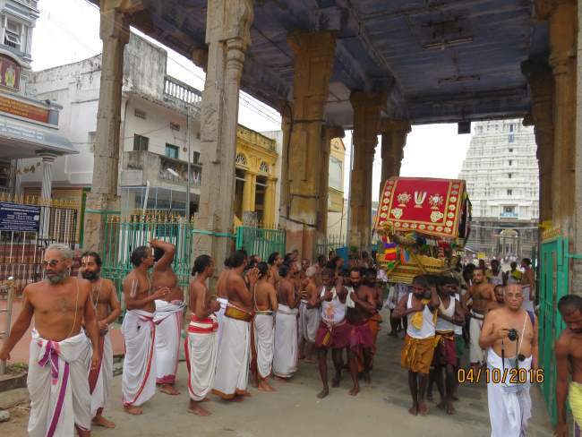 thoopul-swami-desikan-thirunakshatra-utsavam-day-3-morning-2016032